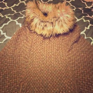 Beautiful, Steve Madden wool & faux fur poncho!